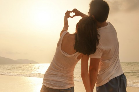 How To Establish Emotional Intimacy In The Early Stages Of a Relationship