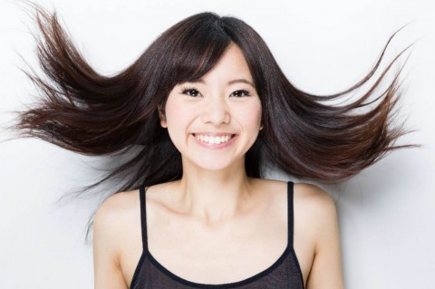 Suffering from Oily Hair? Get Enlighted Here!